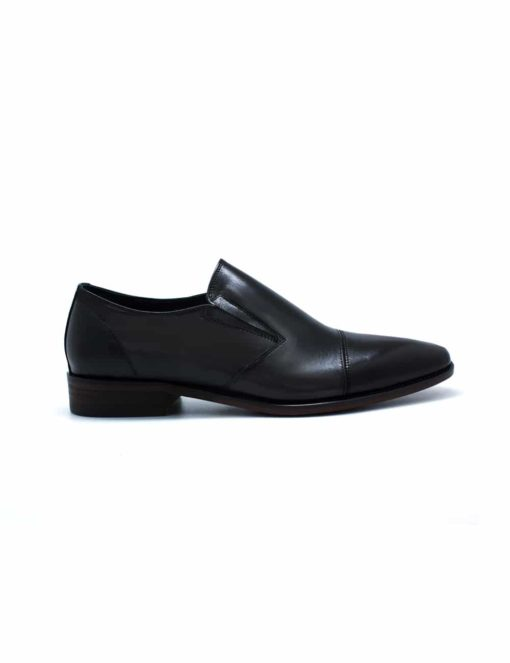 Black Leather Side Gusset Cap Toe Loafers F22D1.4