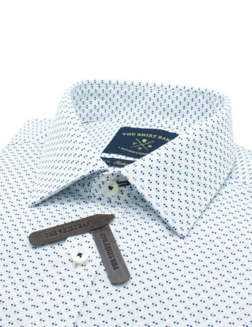 Tailored Fit 100% Premium Cotton White with Navy Print Long Sleeve Single Cuff Shirt TF2A5.17
